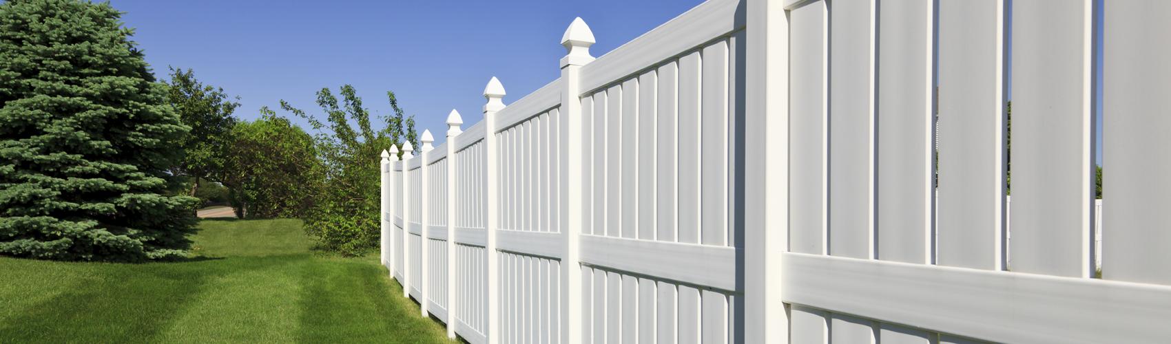 vinyl-fence-slide